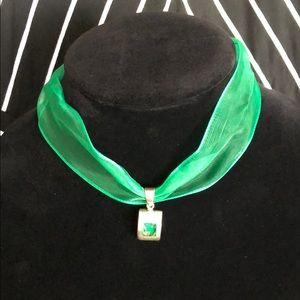Green ribbon choker w/925 silver&resin pendant